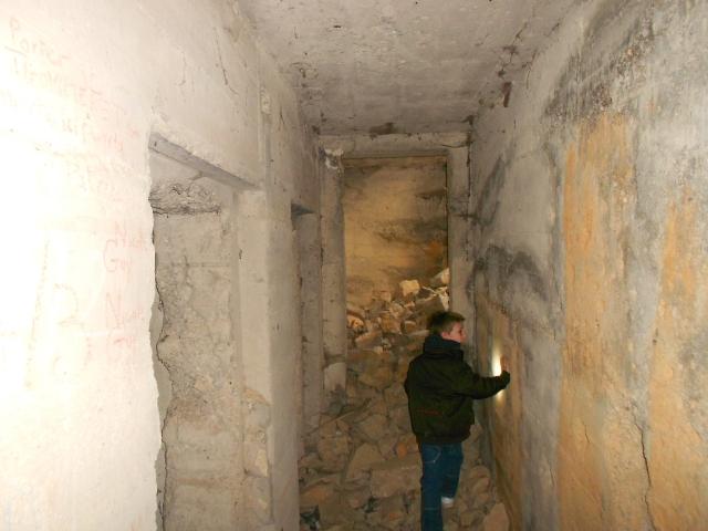 Bunker commandement d'aérodrome : Nîmes - Courbessac (30) 0twb2n