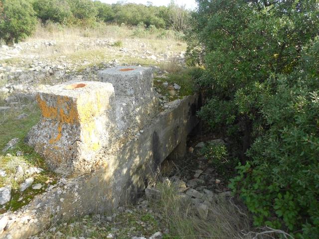 Bunker commandement d'aérodrome : Nîmes - Courbessac (30) 18clpq