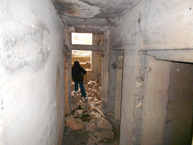 Bunker commandement d'aérodrome : Nîmes - Courbessac (30) 4qtsyj