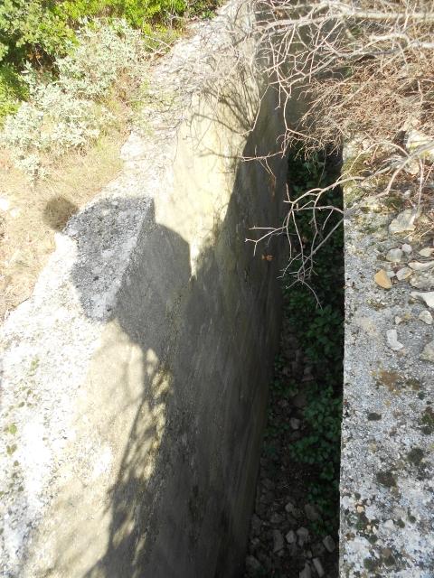 Bunker commandement d'aérodrome : Nîmes - Courbessac (30) Csr4rt