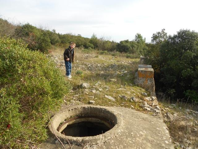 Bunker commandement d'aérodrome : Nîmes - Courbessac (30) Xysa7r