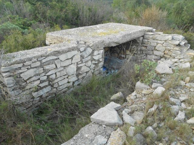 Bunker commandement d'aérodrome : Nîmes - Courbessac (30) Yyupu1