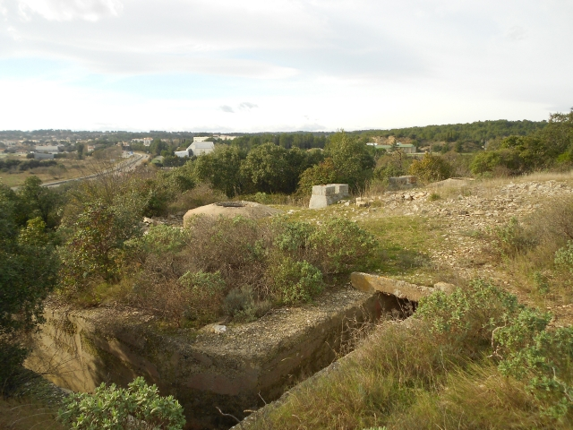 Bunker commandement d'aérodrome : Nîmes - Courbessac (30) Zdzv9q
