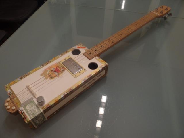 César Box Custom Guitars (CBG à vendre) Vwxjd5