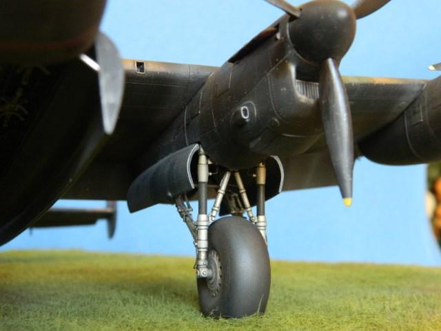 AVRO LANCASTER  Mk.III. Tamiya 1/48° - Page 14 Bs8o1r