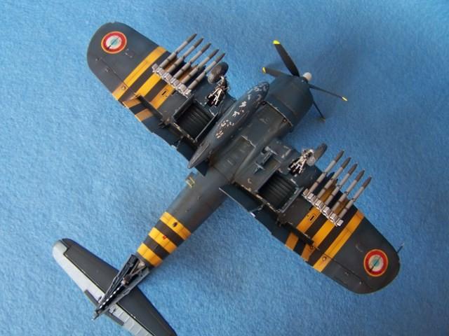 Corsair F4u-7 et Fg-1d. J6kmb5