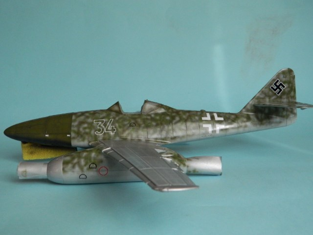 Me 262 A 1a. 1/32 Trumpeter . - Page 2 Mlhd05