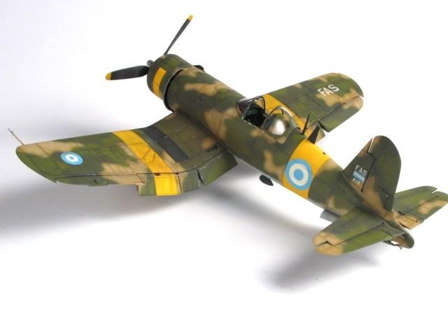 Corsair F4u-7 et Fg-1d. U8504m