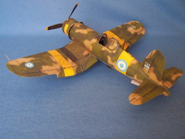 Corsair F4u-7 et Fg-1d. Z6vwfb