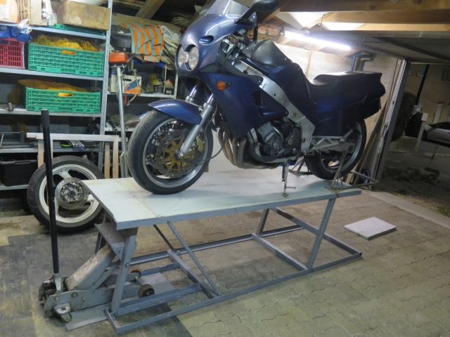 Photos de nos garages/ateliers - Page 27 18um89