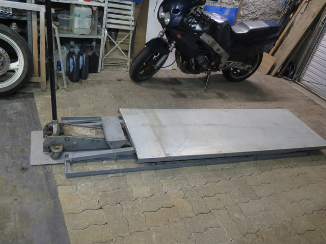 Photos de nos garages/ateliers - Page 27 2yblu4