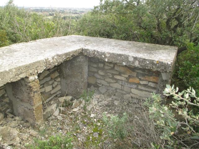Bunker commandement d'aérodrome : Nîmes - Courbessac (30) Exyvnx