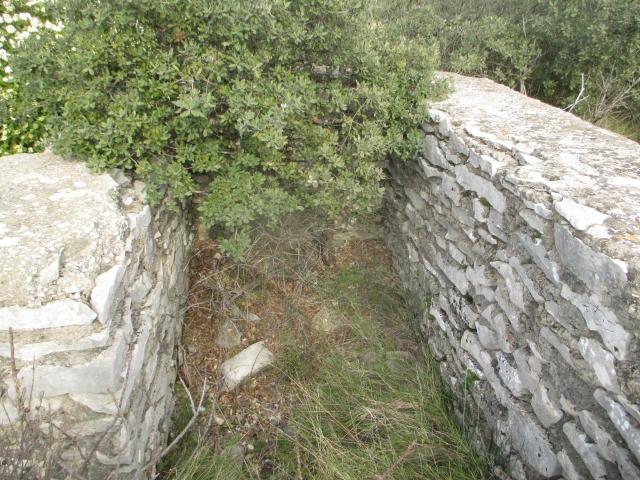 Bunker commandement d'aérodrome : Nîmes - Courbessac (30) Q5wwps