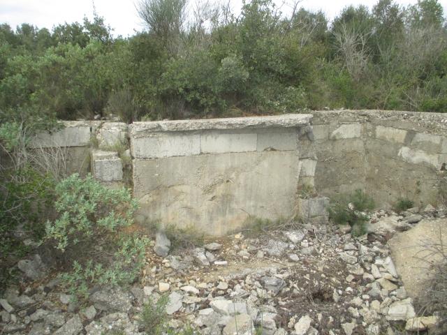 Bunker commandement d'aérodrome : Nîmes - Courbessac (30) Qfjmx0