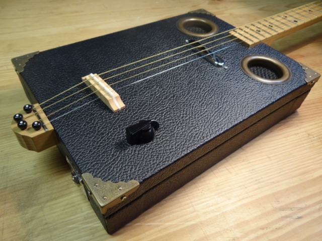 César Box n°4 Black Tolex H0pw90